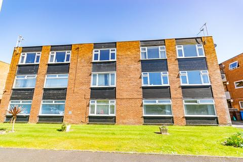 1 bedroom apartment to rent - Woodlands Road, Lytham St Annes, FY8