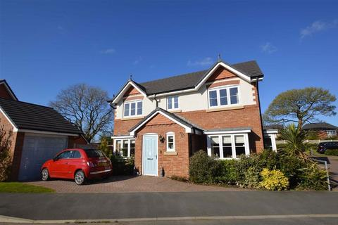 4 bedroom detached house for sale - Livesley Road, Macclesfield