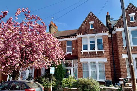 5 bedroom terraced house for sale - Cosbycote Avenue, London, SE24