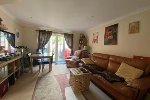 2 bedroom flat to rent - Tiverton Way, Mill Hill, NW7 1GE