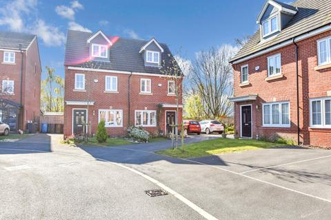 3 bedroom townhouse for sale - Racecourse Way, Salford, M7