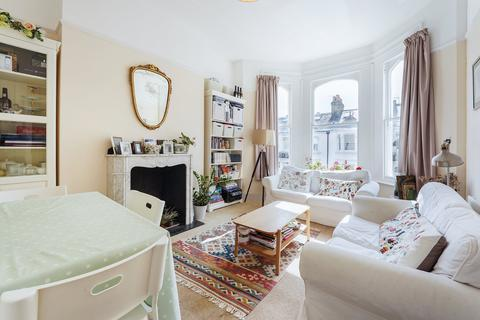 2 bedroom flat to rent - Whittingstall Road, London