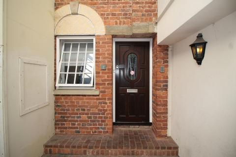 3 bedroom flat to rent - 2 The Courtyard St Anne's Well
