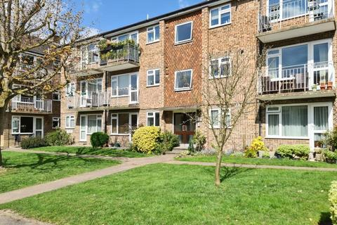 1 bedroom flat to rent - Hillside Court, Crescent Road, Kingston upon Thames, KT2