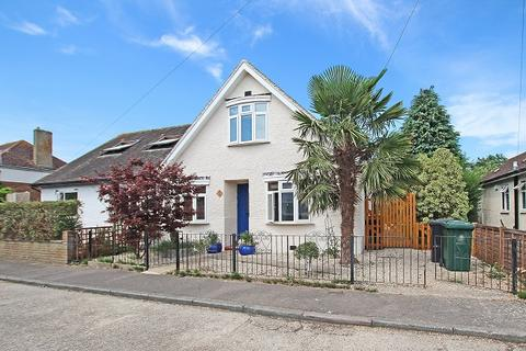 3 bedroom semi-detached bungalow for sale - Albert Road, Chichester PO19