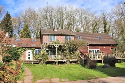 4 bedroom cottage for sale - Penbush, Farhill, NP16