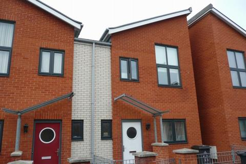 3 bedroom terraced house to rent - Newcastle Street, Hulme, Manchester, M15 6HF