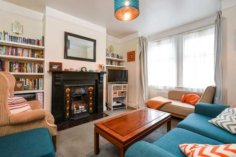 3 bedroom terraced house to rent - Hollow Way,  Oxford,  OX4
