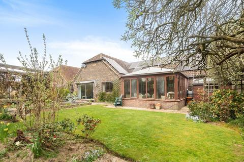 3 bedroom detached bungalow for sale - Harbour Court, Bosham, PO18