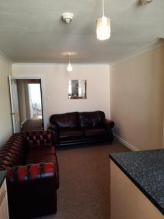 3 bedroom flat to rent - South Street, Egremont, CA22