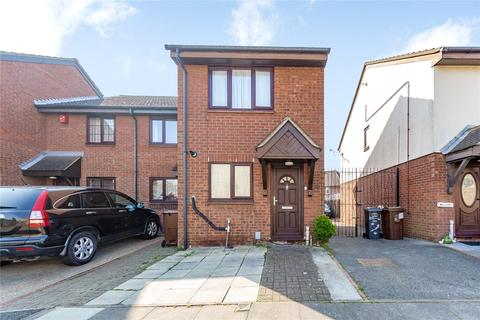 2 bedroom end of terrace house for sale - Page Close, Dagenham, RM9