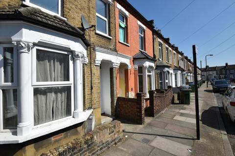 2 bedroom house to rent - Reidhaven Road Plumstead SE18