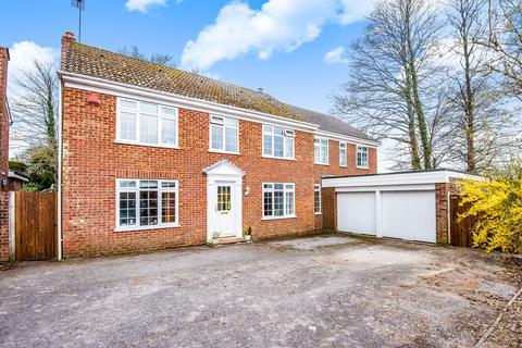 5 bedroom detached house for sale - Lymington Rise, Four Marks, Alton, Hampshire, GU34