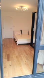 5 bedroom flat share to rent - 54B Trundleys road , London SE8