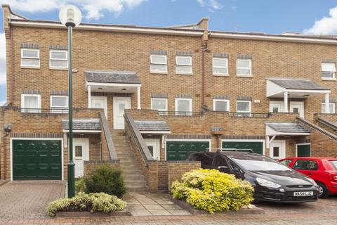 2 bedroom duplex to rent - Schooner Close, Canary Wharf E14