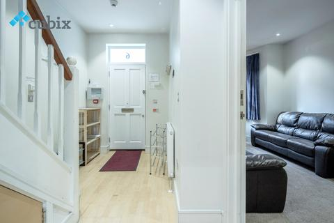 5 bedroom end of terrace house to rent - London SE1