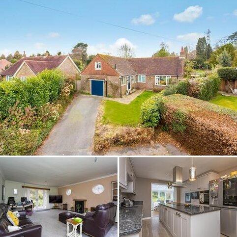 2 bedroom detached bungalow for sale - Beacon Close, Crowborough