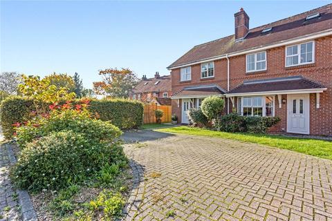 3 bedroom semi-detached house to rent - Buddens Road, Wickham, Fareham, PO17