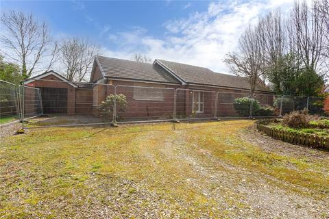 4 bedroom detached bungalow for sale - Badger Lane, Balderstone, Rochdale, Greater Manchester, OL16