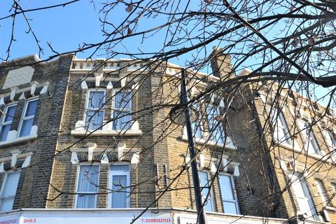 2 bedroom flat to rent - Barking Road, London