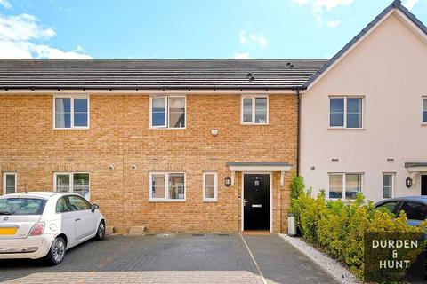 2 bedroom terraced house for sale - Ash Road, Chigwell