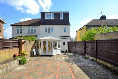 3 bedroom semi-detached house for sale - Approach Road, West Molesey