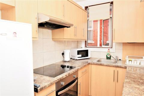2 bedroom flat to rent - Wightman Road, Harringay, London, N4