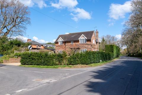 3 bedroom detached house for sale - Wineham Lane, Henfield