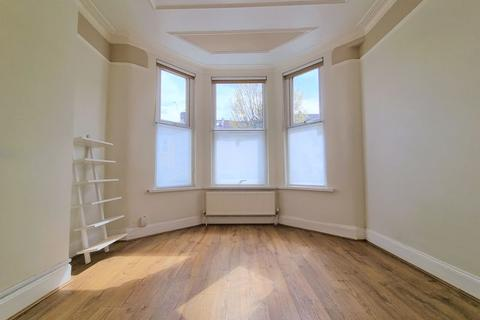 2 bedroom apartment to rent - Beresford Road, London