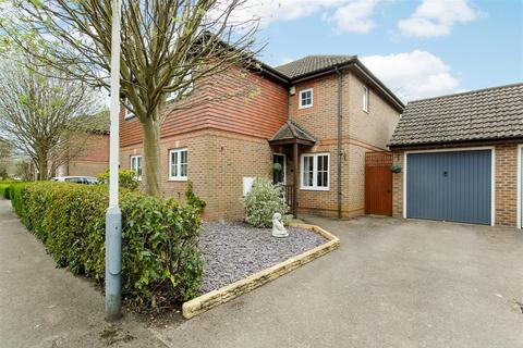 3 bedroom semi-detached house for sale - Barrington Drive, Harefield, Uxbridge