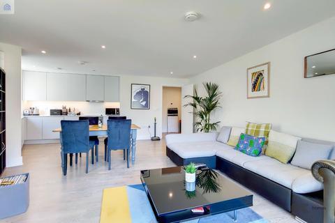 3 bedroom flat to rent - Ruckholt Road, London