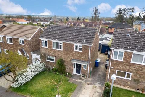 3 bedroom detached house for sale - Mansel Close, Cosgrove, Cosgrove, Northants