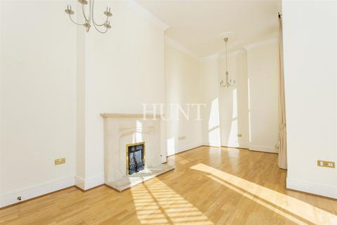2 bedroom apartment to rent - Brandesbury Square, Repton Park, Woodford Green, Essex