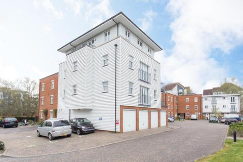 2 bedroom penthouse for sale - Waters Edge, Canterbury