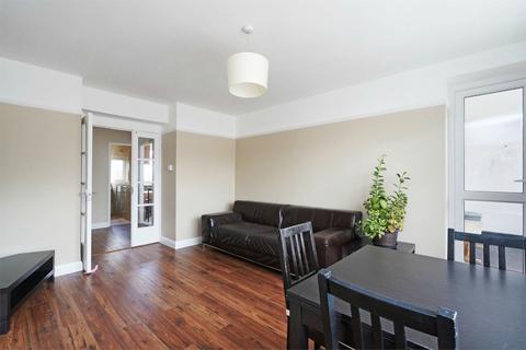 3 bedroom flat to rent - Beech Avenue, Acton, London, W3