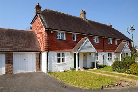 3 bedroom end of terrace house for sale - Berrall Way, Billingshurst, West Sussex