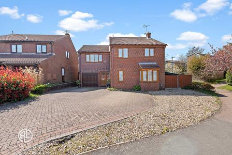 5 bedroom detached house for sale - Blackmore, Letchworth Garden City, SG6 2SZ