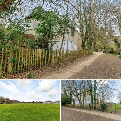 House for sale - Cricketfield Road, Horsham