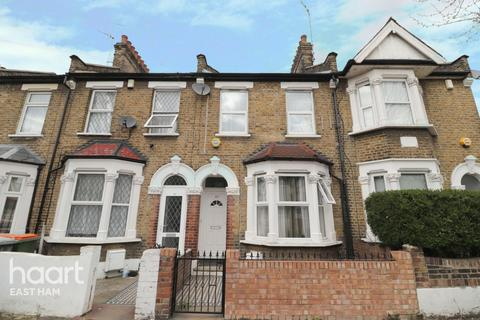 2 bedroom terraced house for sale - Clacton Road, London