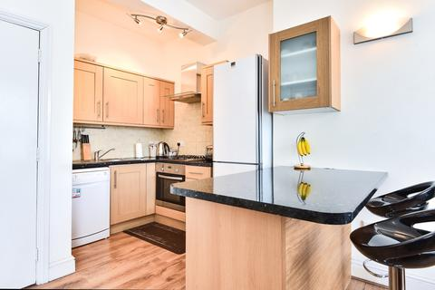 3 bedroom flat to rent - Laurel Grove Anerley SE20