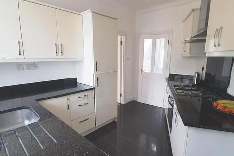 2 bedroom flat to rent - Chudleigh Crescent, Ilford, IG3
