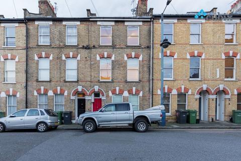 2 bedroom flat to rent - London SW9