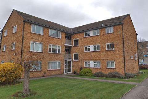 2 bedroom flat to rent - Rodwell Close Ruislip HA4