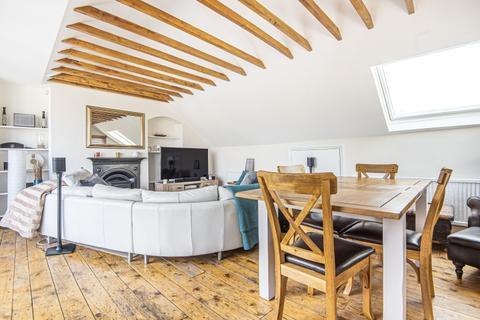 2 bedroom apartment to rent - Battersea Rise Battersea SW11