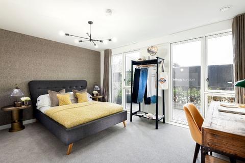 3 bedroom flat for sale - Plot bridge-eastPH3-3bed-portals-May21 at Bridge East SO, Bridge East, Cooks Road E15