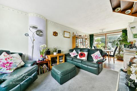 3 bedroom terraced house for sale - Combe Avenue, London
