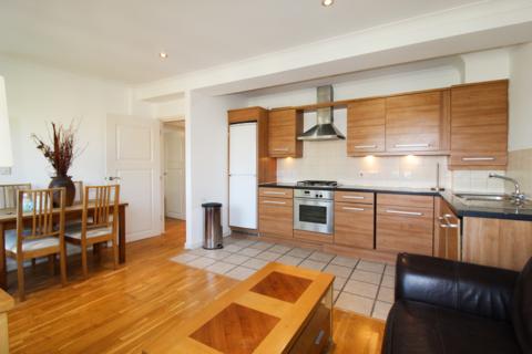 2 bedroom flat to rent - Merton Road, SW19