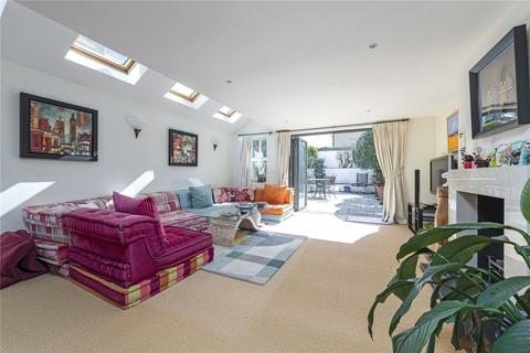 4 bedroom terraced house to rent - Bramfield Road, SW11