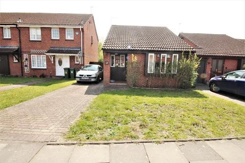 2 bedroom detached bungalow for sale - Rollesby Way, Thamesmead, London , SE28 8LR