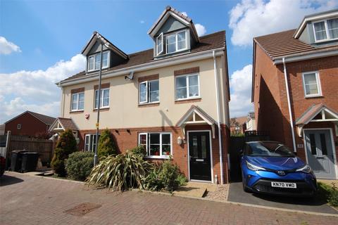 4 bedroom semi-detached house for sale - Verde Close, Luton, Bedfordshire, LU2